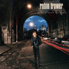 In The Line Of Fire - cd / Robin Trower / 1990
