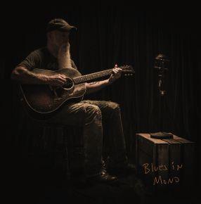Blues In Mono - LP (Blå Vinyl) / Seasick Steve / 2021