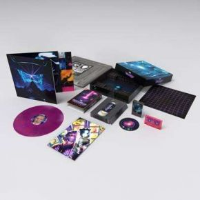 Simulation Theory Deluxe Film - LP+Blu-Ray+Kassettebånd (Lyserød/Blå Vinyl) (Deluxe Bokssæt) / Muse / 2020